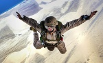 skydiving-678168_1280_-_150.jpg